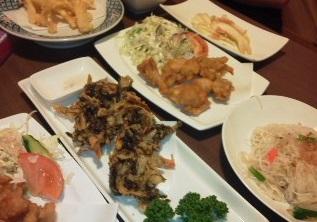 沖縄料理盛りだくさん